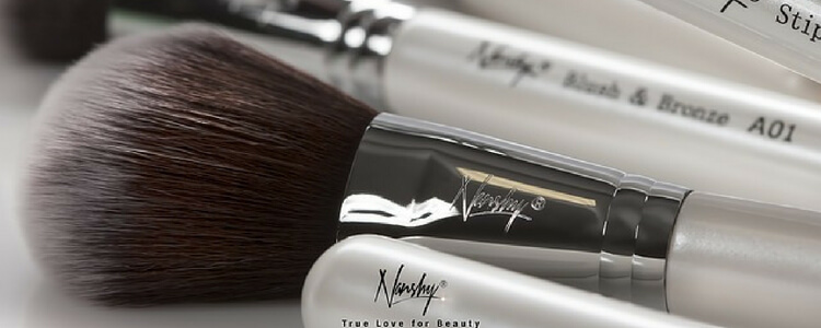 Using Dirty Makeup Brushes