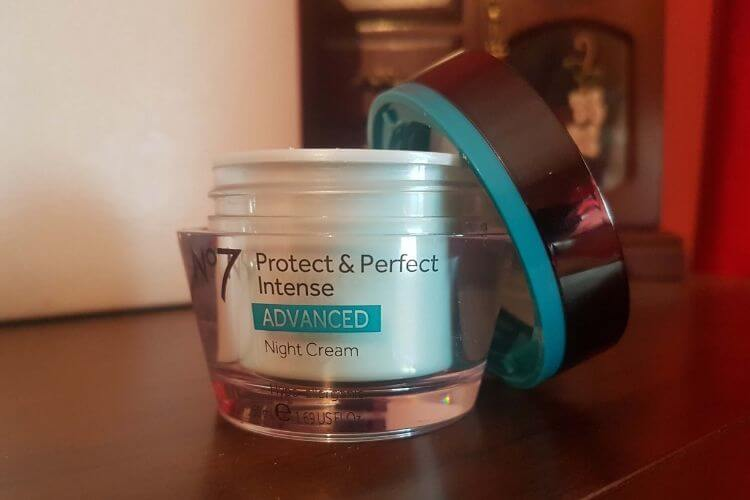 boots-no7-protect-&-perfect-intense-advanced-night-cream-review